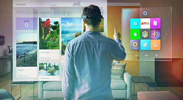 Фил Спенсер рассказал про будущее виртуальной реальности на Xbox One и планы компании Microsoft по развитию HoloLens