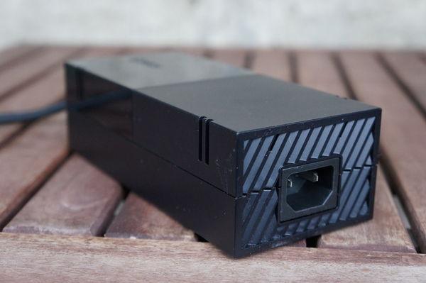 Купить блок питания Xbox One и заменить проблемный теперь можно через сервисный центр Xbox