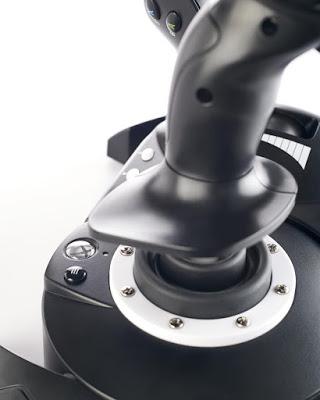 Анонсирован первый джойстик для авиасимуляторов на Xbox One