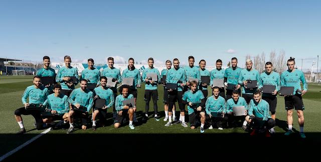 Игроки и тренерский штаб мадридского «Реала» получили персонализированные Xbox One X