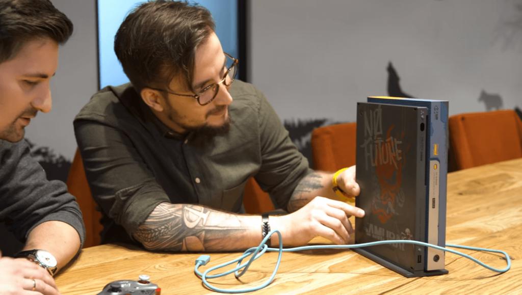 Консоль Xbox One X впервые в истории Xbox получит цветной кабель HDMI