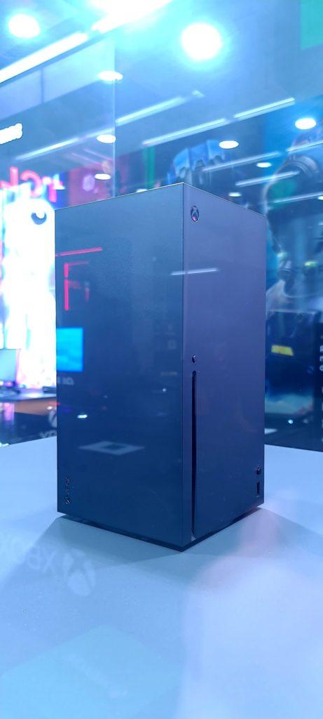 Новые «живые» фотографии Xbox Series X с мероприятия в Германии