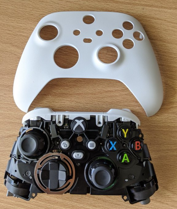 Вот как геймпад Xbox Series X выглядит внутри: фото