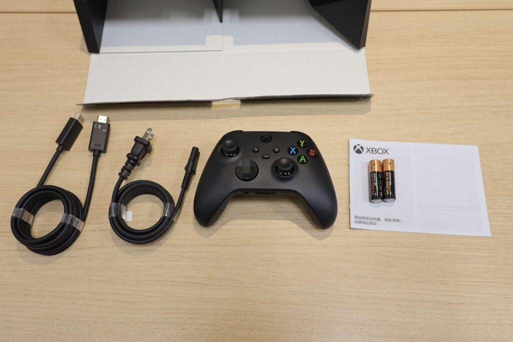 Кабель питания Xbox One X совместим с Xbox Series X