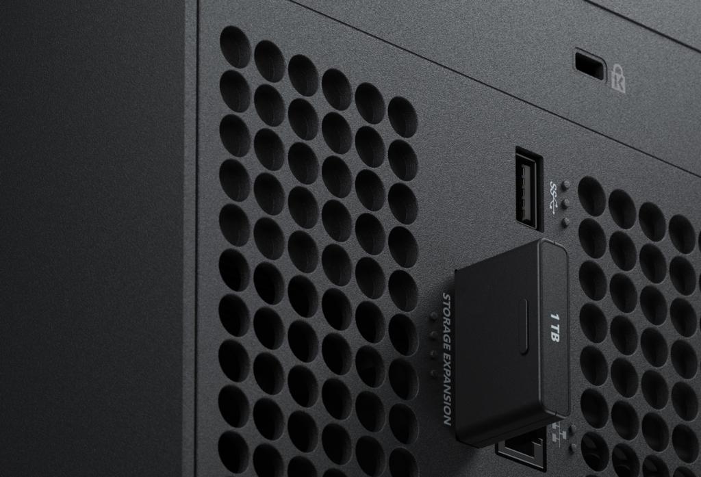 Не только Seagate будет выпускать внешние карты памяти для Xbox Series