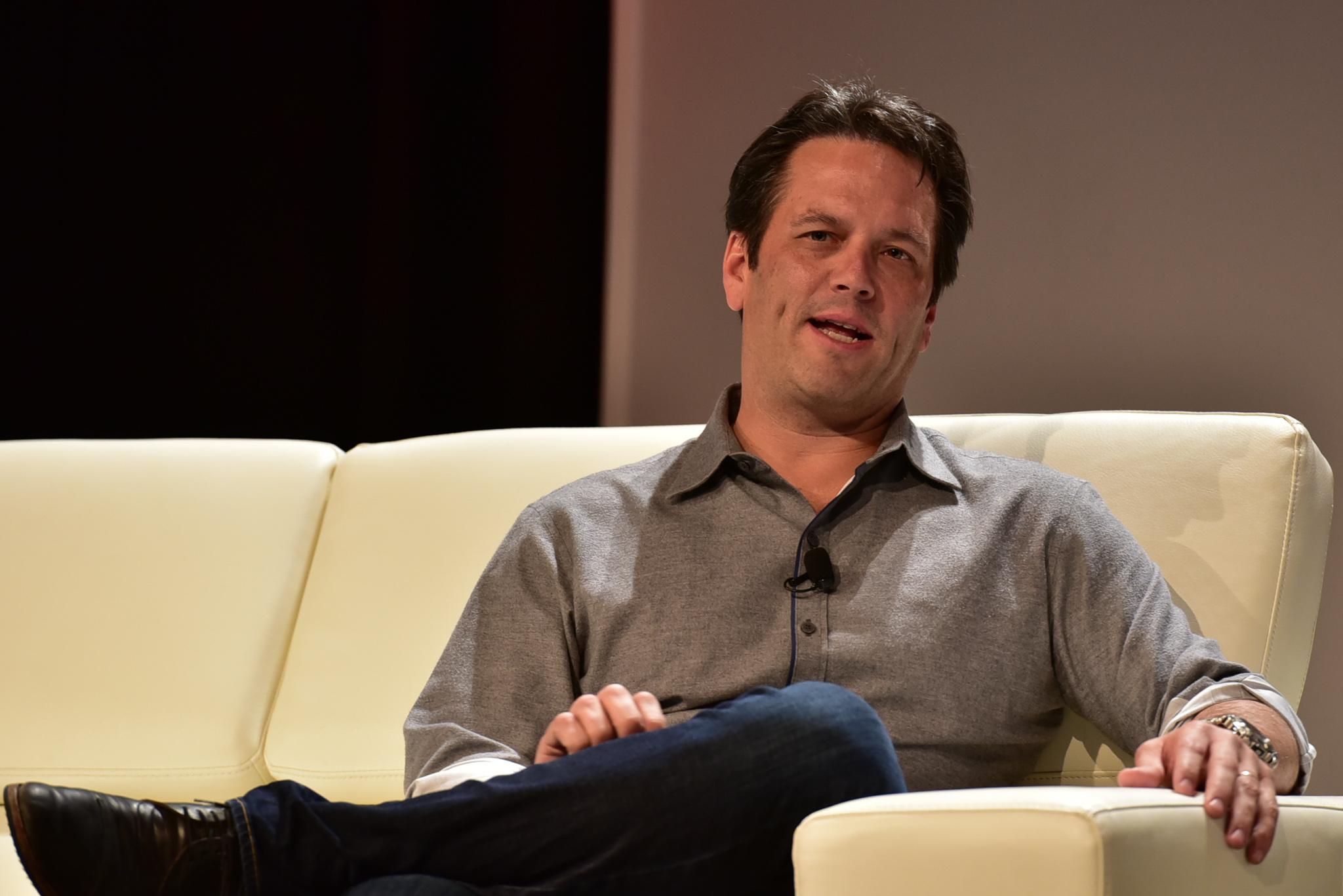 Глава Xbox уверен, что проблемы с поставками Xbox Series X   S сохранятся в 2022 году