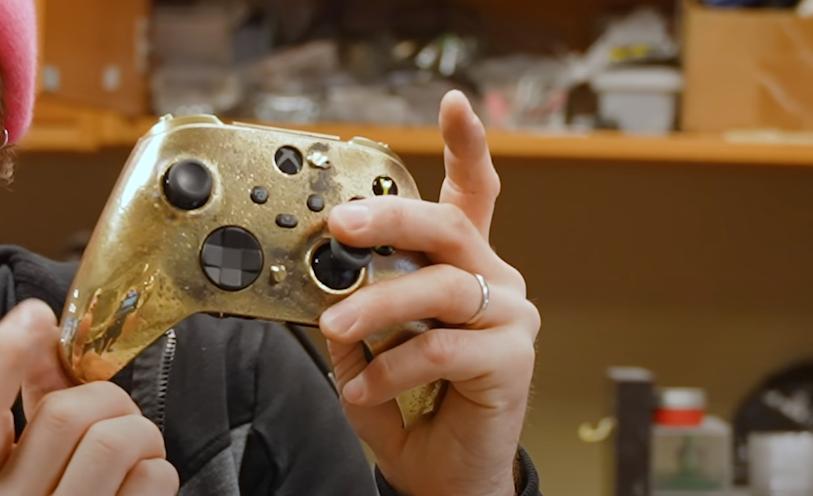 Автор канала Linus Tech Tips создал самый дорогой геймпад Xbox в истории