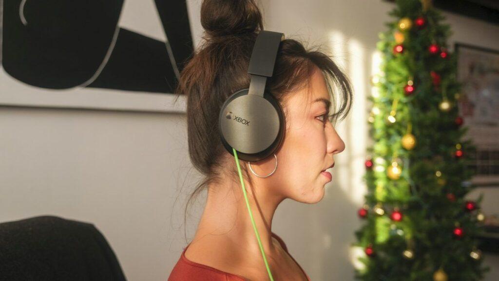 Xbox Stereo Headset будет продаваться в России по рекомендованной цене в 5399 рублей