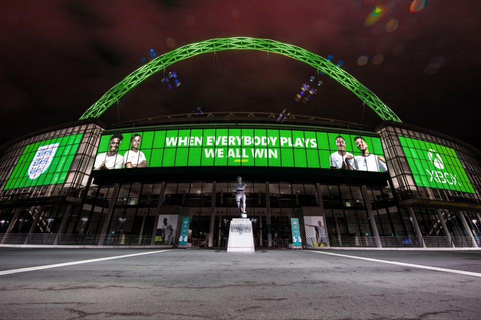 Xbox стал официальным партнером футбольных команд Англии